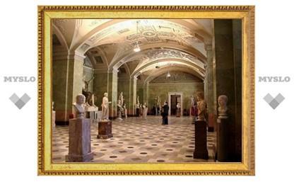 Эрмитаж отпраздновал день Александровской колонны