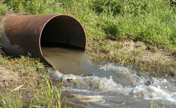 В Куркинском районе в реку течет канализация