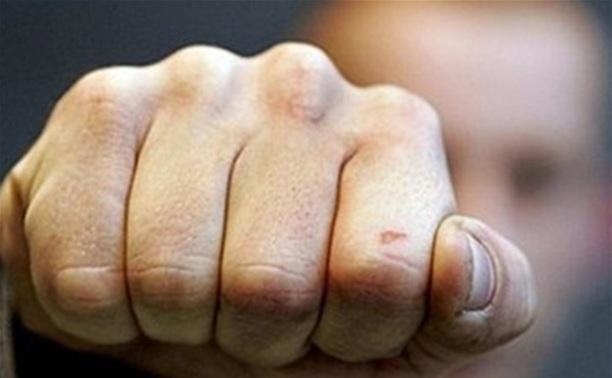 В Киреевском районе мужчина жестоко избил знакомого и оставил умирать на улице