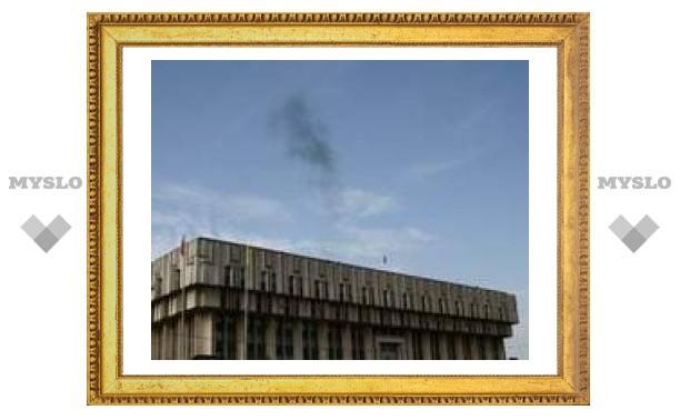 """Черный дым над """"белым домом"""" в Туле"""