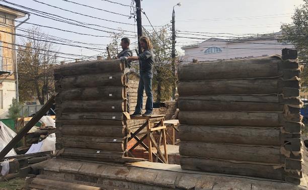 В Туле собирают на новом месте столетнюю водоразборную будку