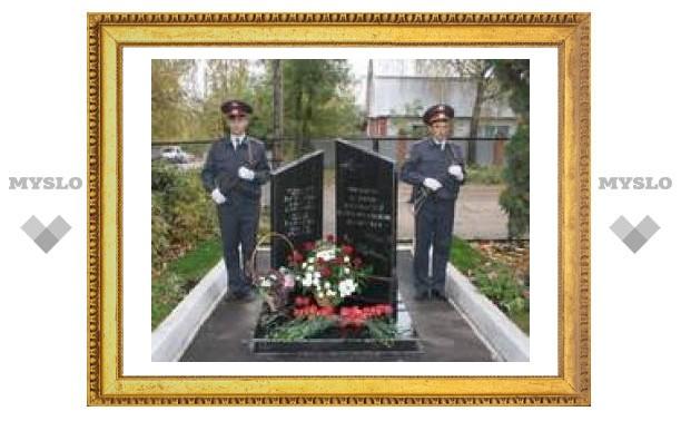 В Туле появилась стела в память о погибших милиционерах
