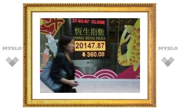 Спекулянты обрушили фондовый рынок Китая – крупнейшее за 10 лет падение