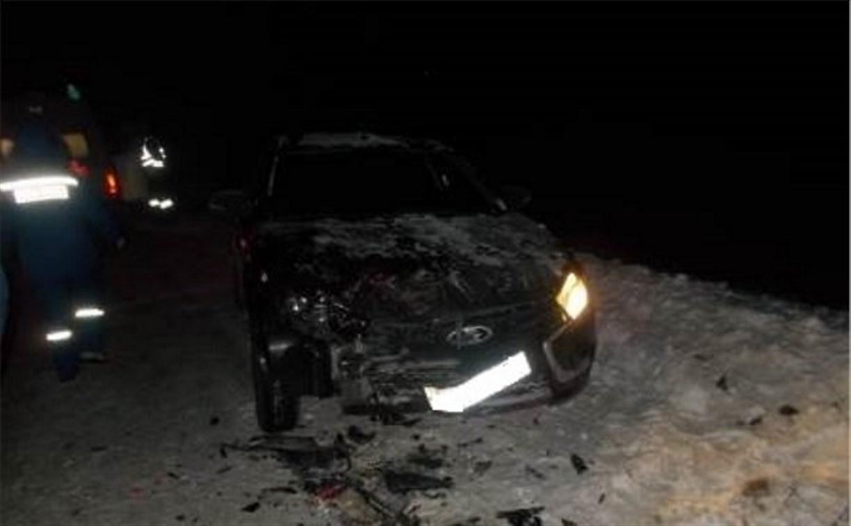 В Ефремовском районе столкнулись автомобиль ДПС, «Лада Веста» и грузовик