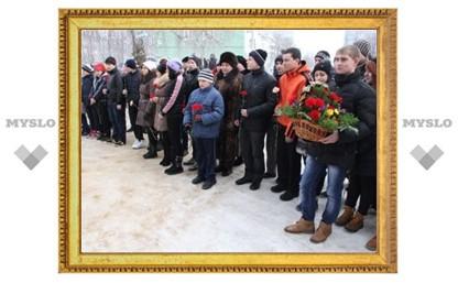 В Новомосковске прошли мероприятия в честь Дня памяти воинов-интернационалистов