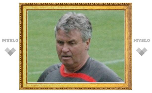 Гуус Хиддинк покинул пост тренера сборной Турции