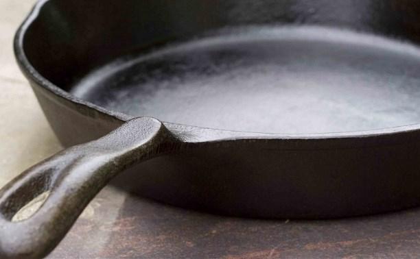 В Алексине двое мужчин насмерть забили знакомого сковородкой
