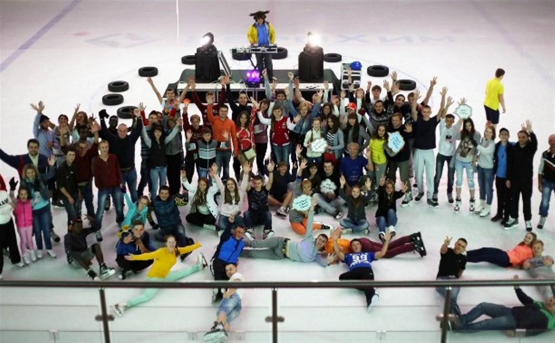 Для всех влюбленных на тульской ледовой арене «Тропик» состоится программа «Ночной лед»