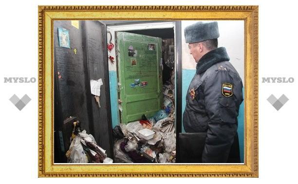 Туляки собрали в своей квартире тонну мусора