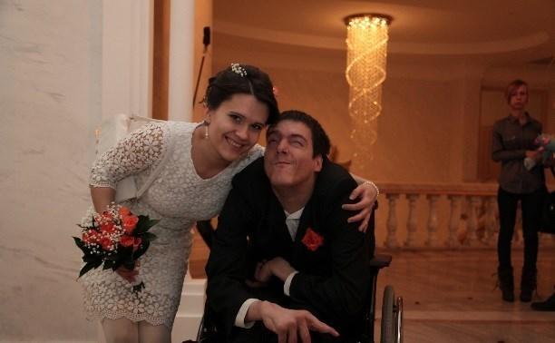 Поможем! Новомосковскому инвалиду нужен балкон со съездом для коляски