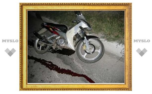Под Тулой мотоциклист протаранил мопед co взрослым и ребенком