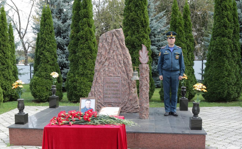 Тульские спасатели почтили память погибшего главы МЧС России Евгения Зиничева