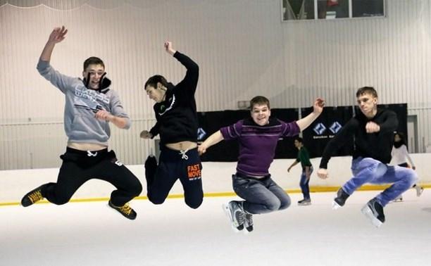 В День физкультурника в Новомосковске пройдёт акция «Ночной лёд»