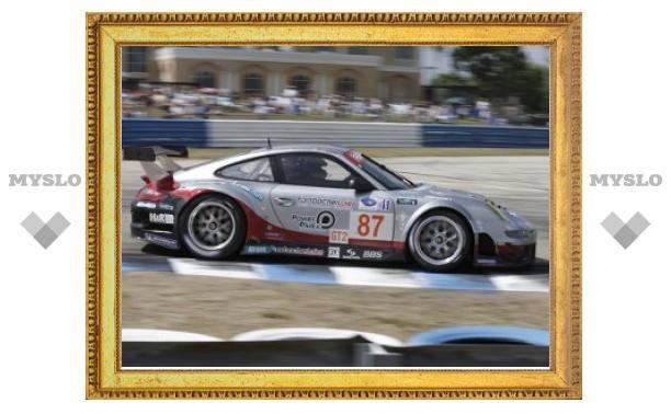 Компания Porsche представила заводских гонщиков серий Le Mans