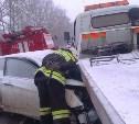 В Богородицком районе иномарка врезалась в эвакуатор: есть пострадавшие