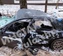 В Туле водитель Volvo снес остановку и протаранил дерево