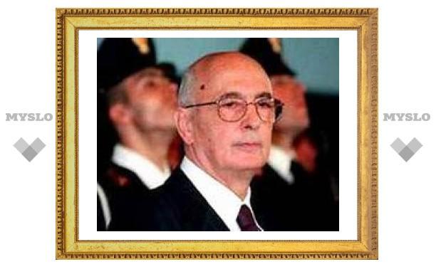 Президент Италии пытается преодолеть политический кризис