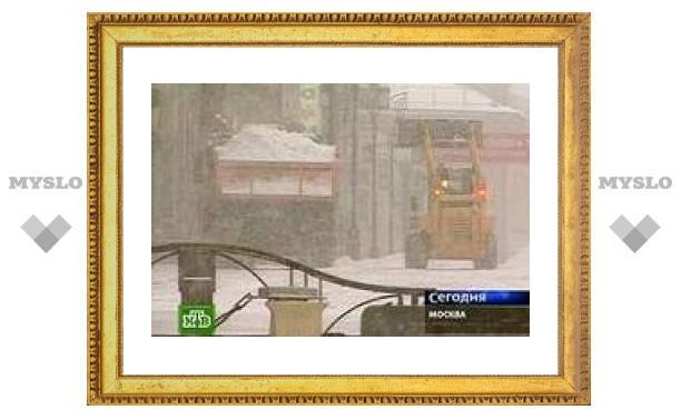 Британцы позавидовали снегоуборочным машинам мэрии Москвы