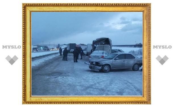 Росавтодор: участок, где произошло массовое ДТП, посыпали песко-соляной смесью