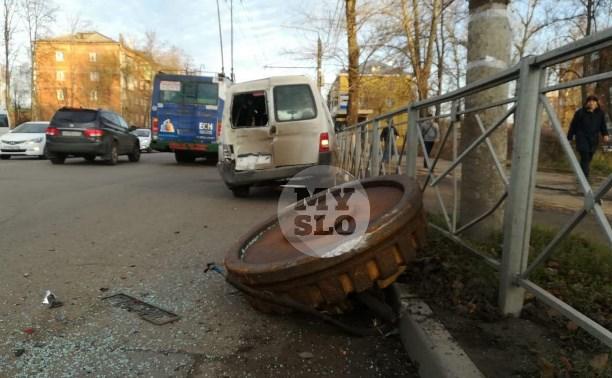 В Туле на машину упал гигантский электрический магнит