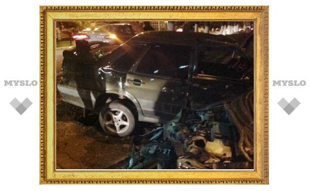 """Свидетель ночной аварии в центре Тулы: """"Hyundai Getz и ВАЗ 2115 не подлежат восстановлению!"""""""