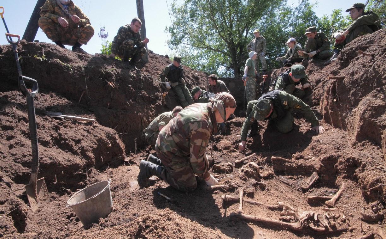 Из захоронения в Тульской области эксгумировали останки 60 советских солдат