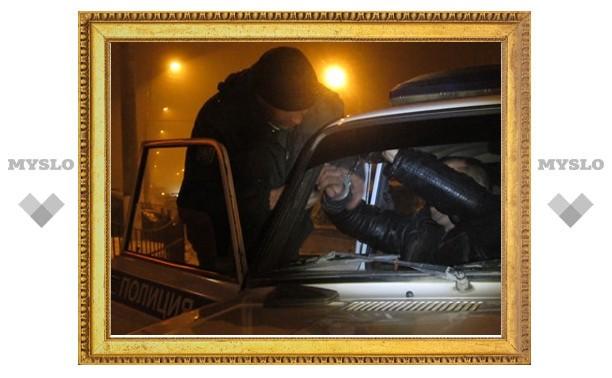 В Тульской области пьяный угонщик с ножом похитил машину