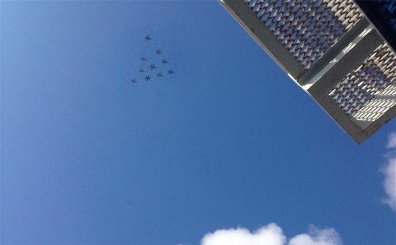 В небе над Тулой проходит репетиция воздушного представления ко Дню Победы