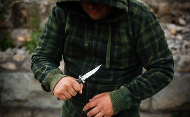 В Плеханово задержали пьяного мужчину, угрожавшего зарезать свою бабушку
