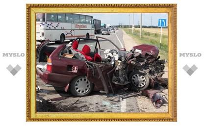 Водитель «восьмерки» разбил «Mercedes»