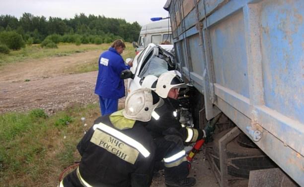 В аварии на М2 погибли два человека