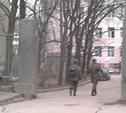 Бывшее артучилище оцеплено сотрудниками полиции и ВАИ