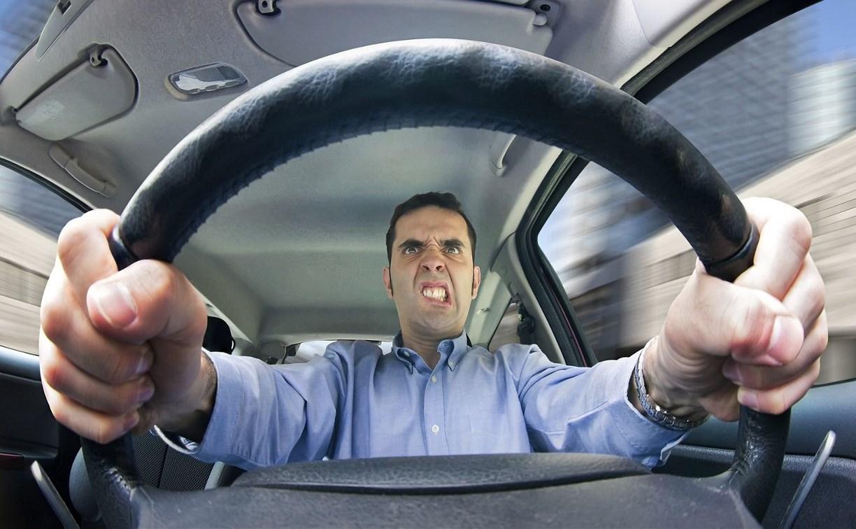 За опасное вождение будут штрафовать на пять тысяч рублей