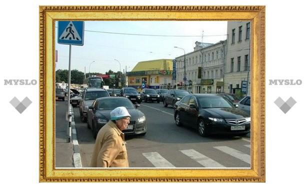 В Щекине машина сбила 83-летнюю пенсионерку
