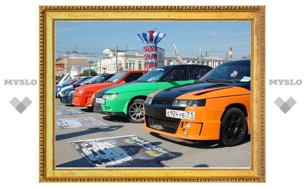 «Автострада 2011» встретила туляков сверкающим хромом и ревом моторов