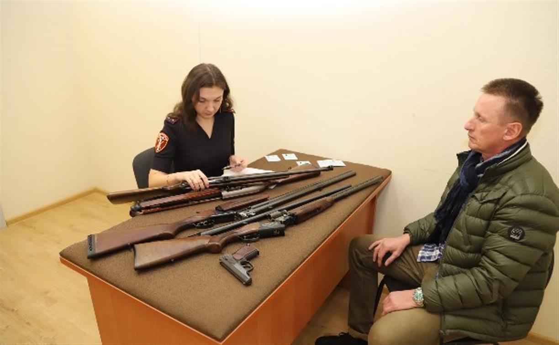 Прощай, оружие: туляки сдали в Росгвардию 260 «стволов» и 5000 боеприпасов
