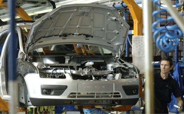 Автомобильные заводы в России приостанавливают сборку иномарок