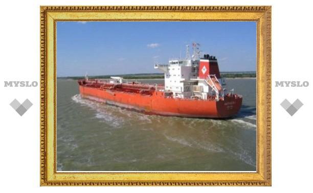 Пираты захватили в заложники 23 члена экипажа танкера