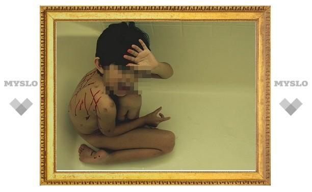 В Тульской области школьницы изнасиловали одноклассника карандашом и шантажировали