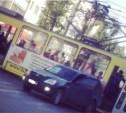 На ул. Первомайской столкнулись трамвай и легковушка