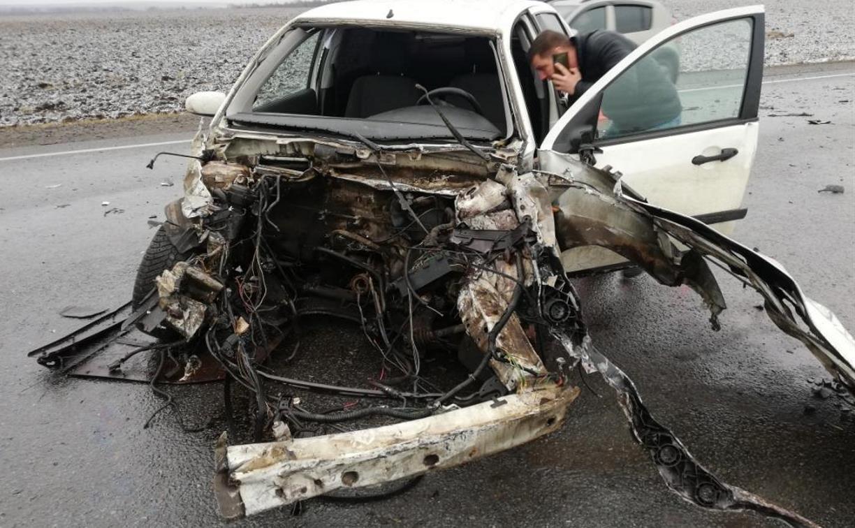 Четыре автомобиля столкнулись на трассе в Тульской области: один человек погиб