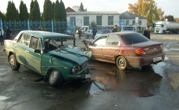 Для извлечения пассажиров, пострадавших в аварии в Ефремове, применялся спасательный инструмент