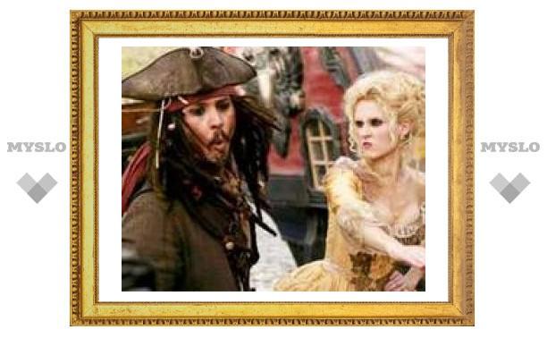"""Третьи """"Пираты"""" стали самым кассовым голливудским фильмом в России"""