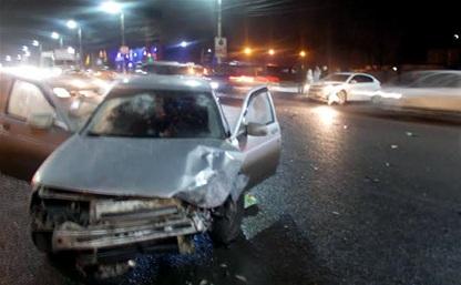 В аварии на ул. Октябрьской пострадала 46-летняя тулячка