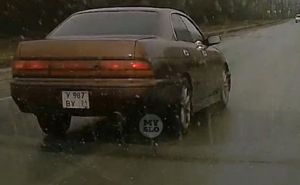 «Накажи автохама»: пособие от водителя Toyota Crown по неправильному обгону
