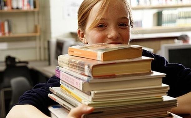 Право на обеспечение бесплатными учебниками закреплено законом