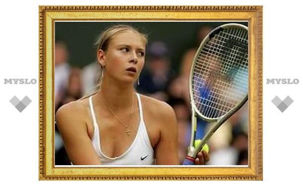 Шарапова победила Петрову на турнире в Торонто