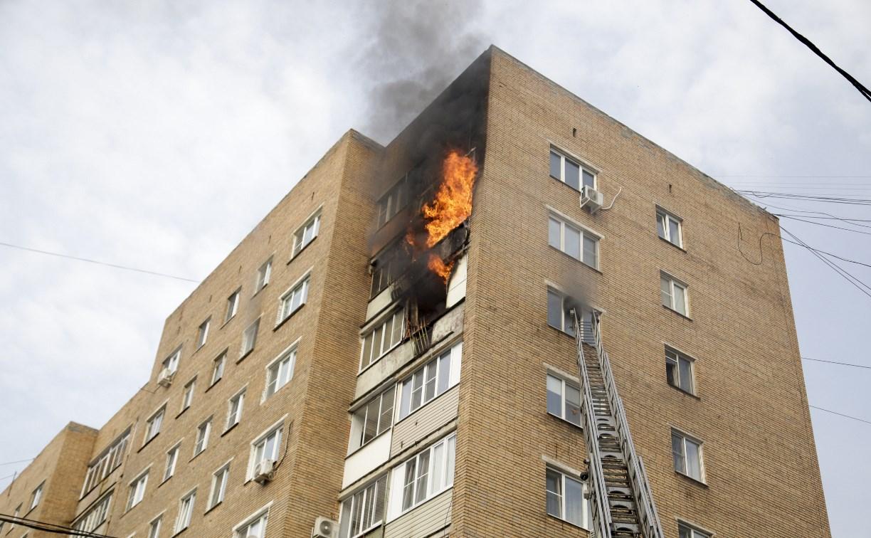 Крупный пожар на пр. Ленина в Туле: эвакуировать жильцов помогали полицейские