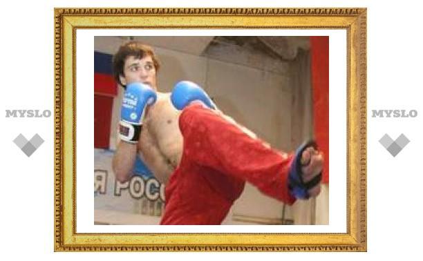 Туляк стал чемпионом мира по кикбоксингу