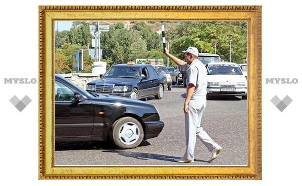 В Новосибирске задержали пьяного регулировщика-самозванца